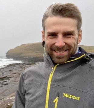 Dr Tim Mundon