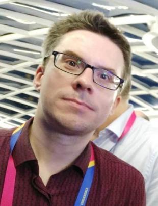 Gareth R Williams headshot