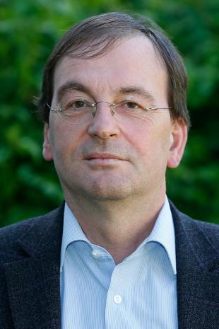 Prof Andreas Jess