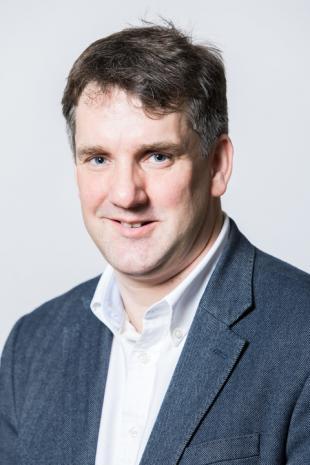 Dr James R Hopgood